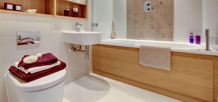 Чугунные и стальные ванны, а также ванны из искусственного камня